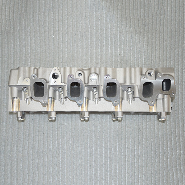 Automotive Auto Engine Parts 1kz - T Toyota Complete Cylinder Head 4 Cylinders